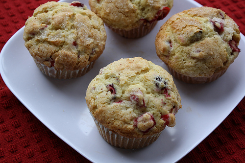 how to make cranberry muffins with fresh cranberries