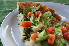 chicken_caesar_salad_pizza_2
