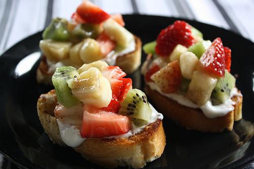 fruit_bruschetta_1