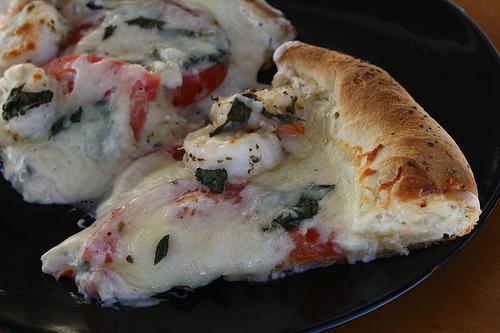 shrimp_alfredo_pizza_1