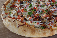 chicken_bacon_ranch_pizza_2