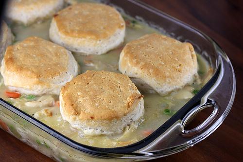 chicken_and_biscuit_casserole_1