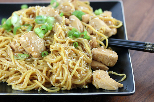 chow_mein_noodles_with_chicken_1