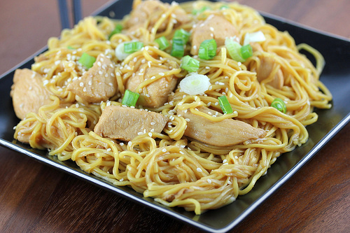 chow_mein_noodles_with_chicken_2