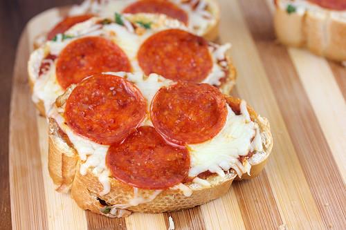Garlic Bread Pizza