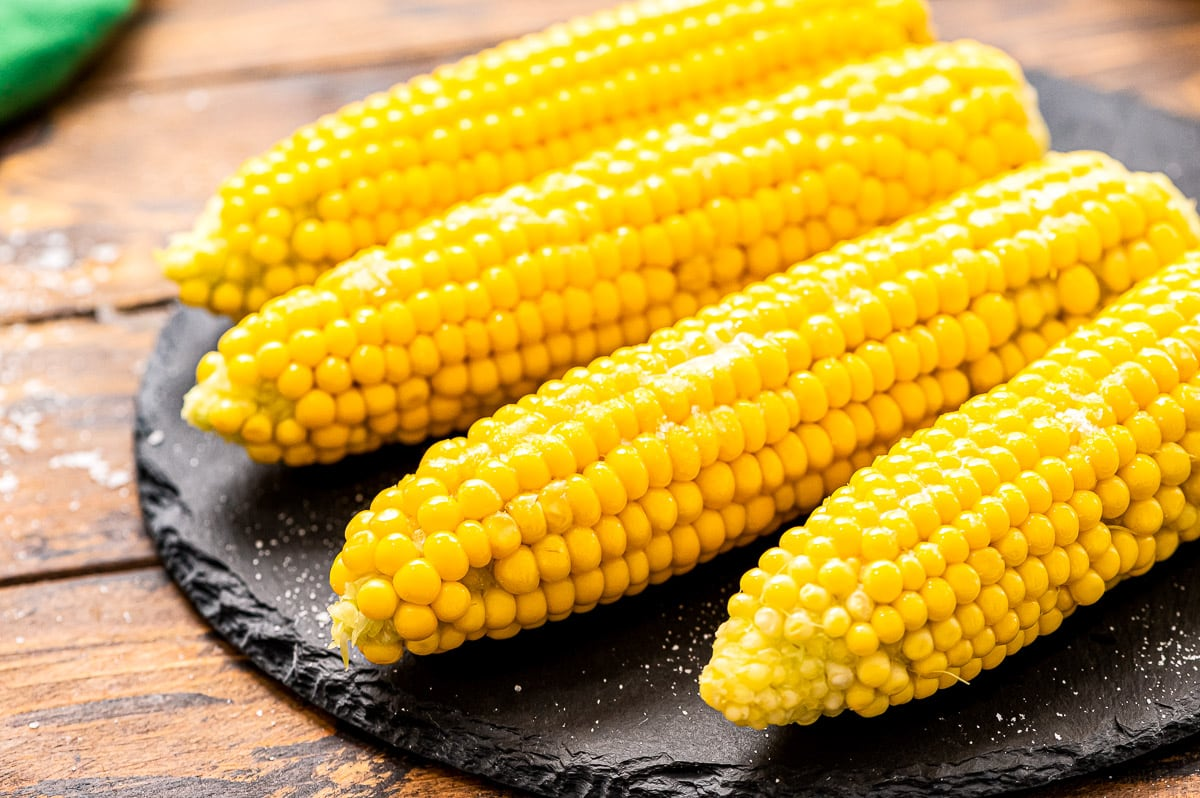 How to Cook Corn on the Cob on the Stove