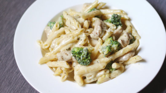 How to Cook Chicken for Chicken Alfredo....