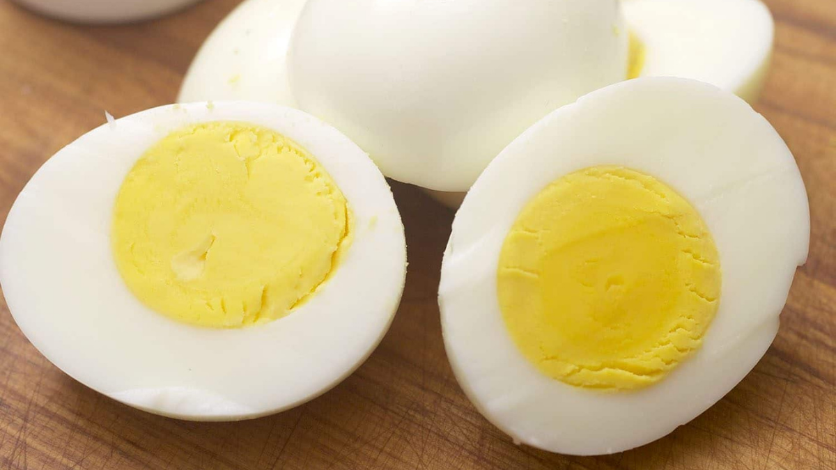 How to Cook Eggs for Dogs