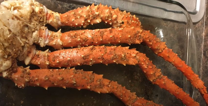 How to Cook King Crab Legs in the Oven