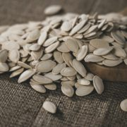 How to Cook Pumpkin Seeds in an Oven (2)