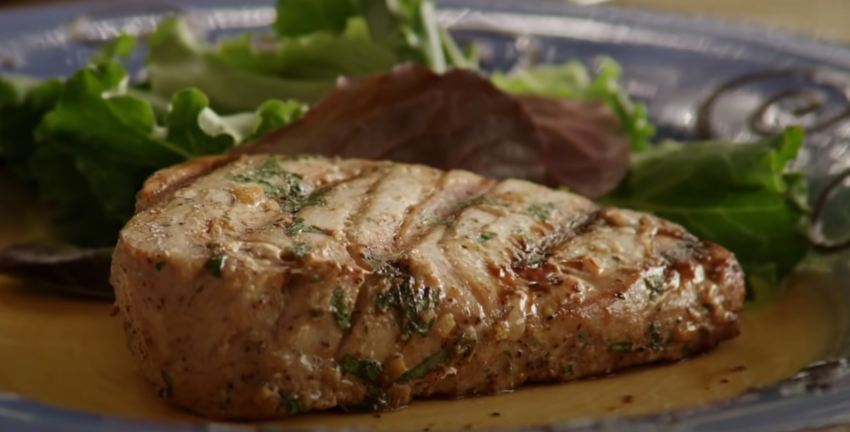 How to Cook Tuna Steaks on the Grill