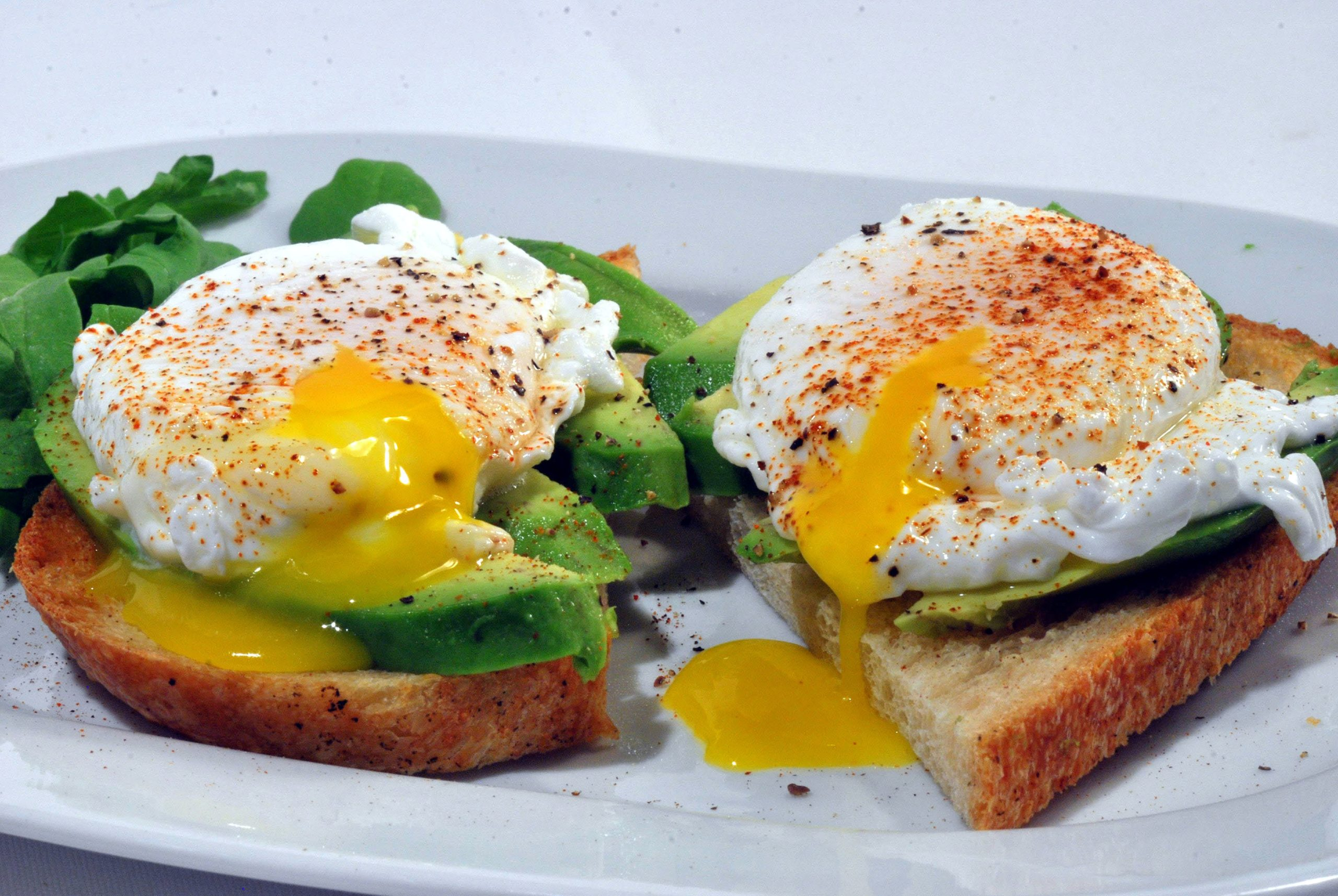 How Long to Cook Poached Eggs (2)